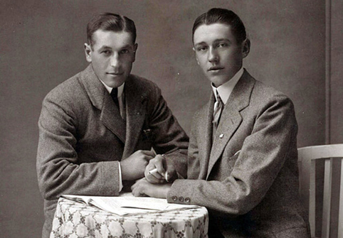 gay-marriage-vintage-men-seated-482