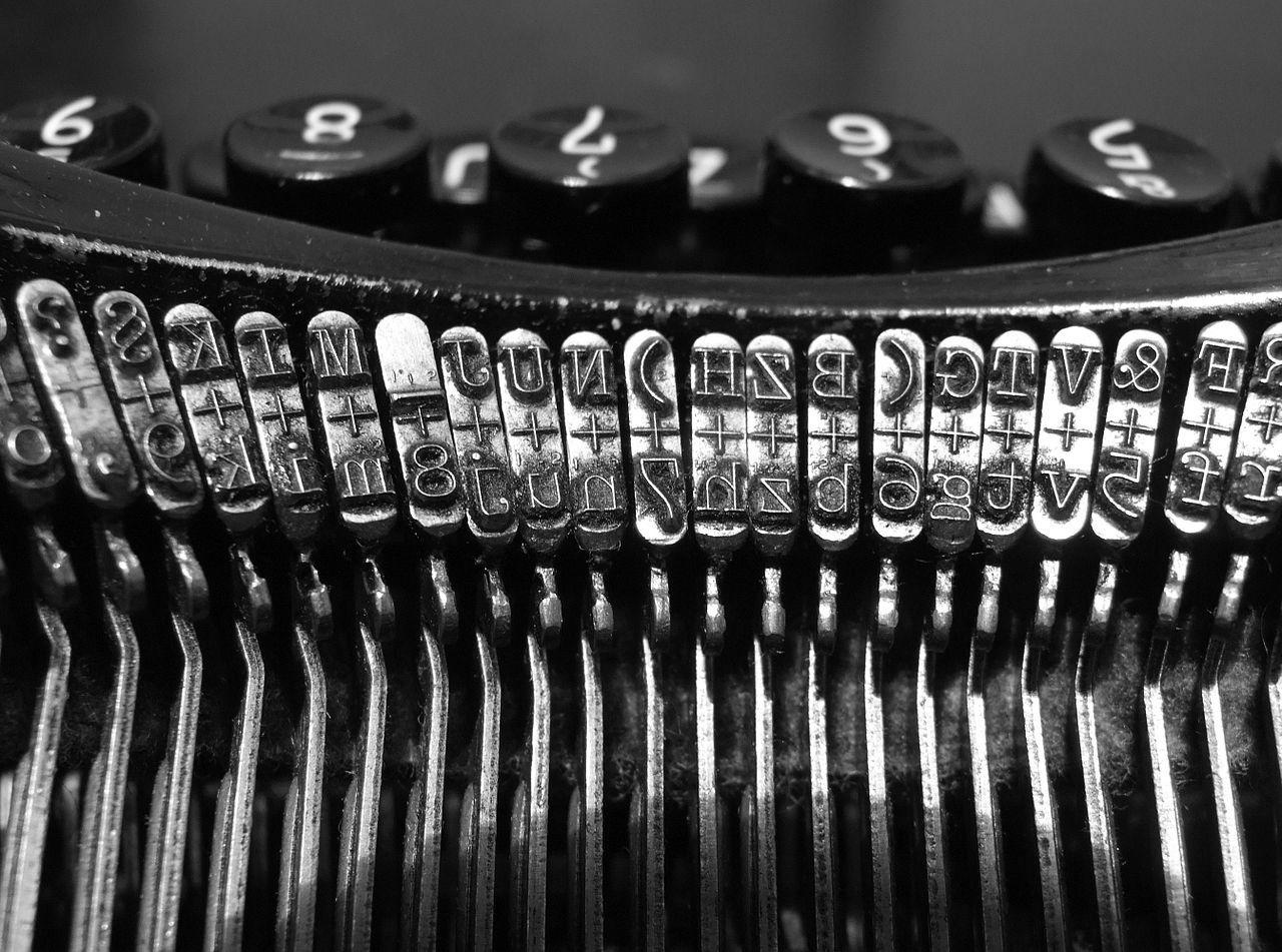 1280px-Typewriters