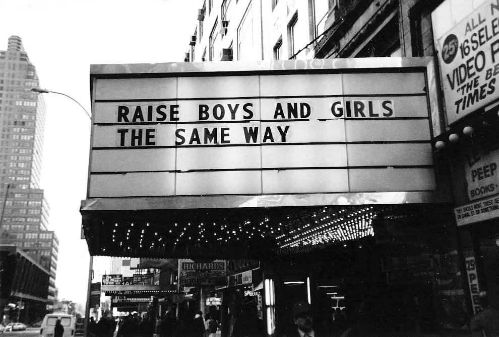 Jenny Holzer, Marquees
