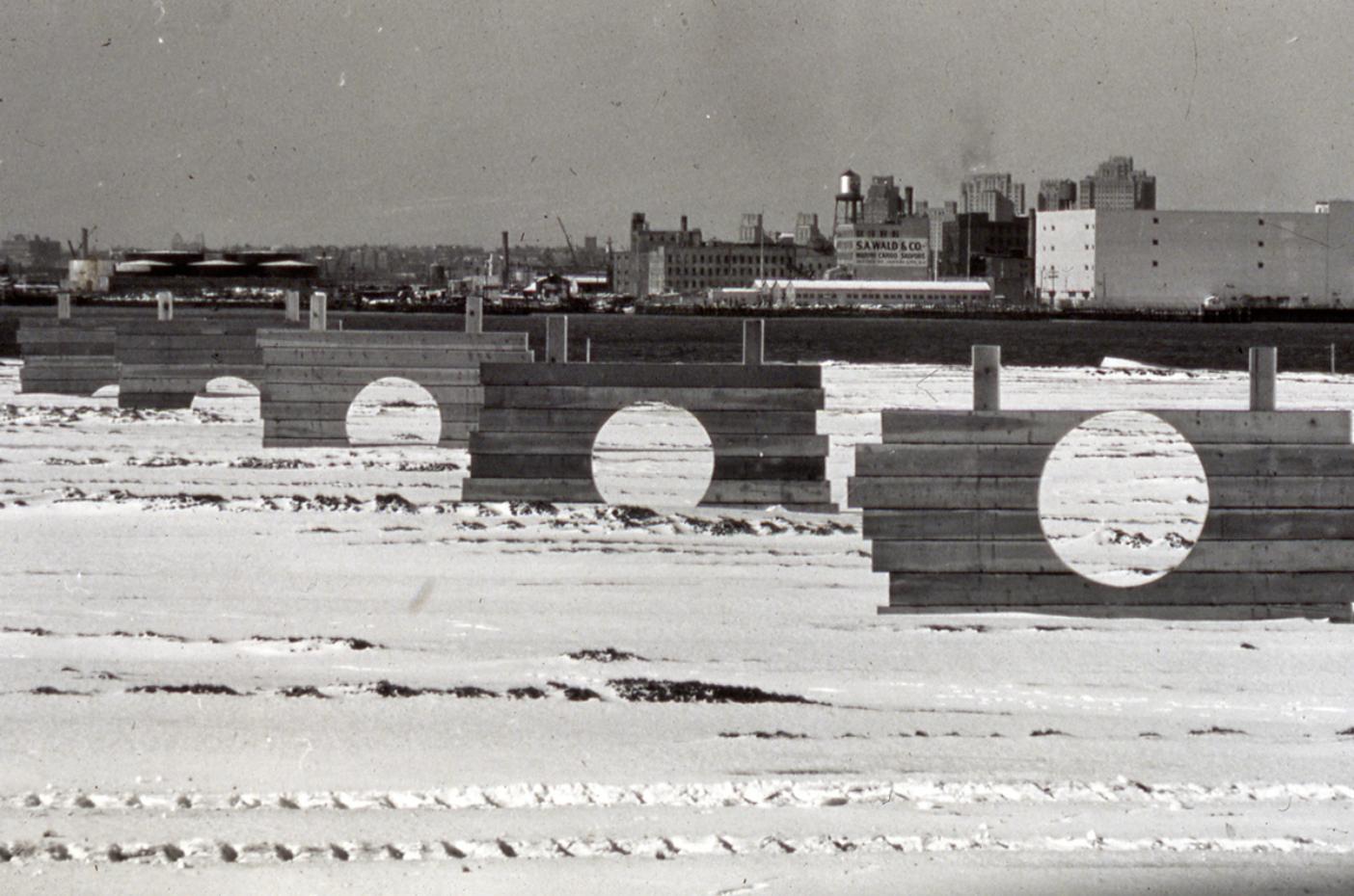 Mary Miss, «Battery Park Landfill» (1973)